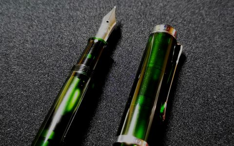 Pelikan百利金M205橄榄绿2018限量款钢笔评测